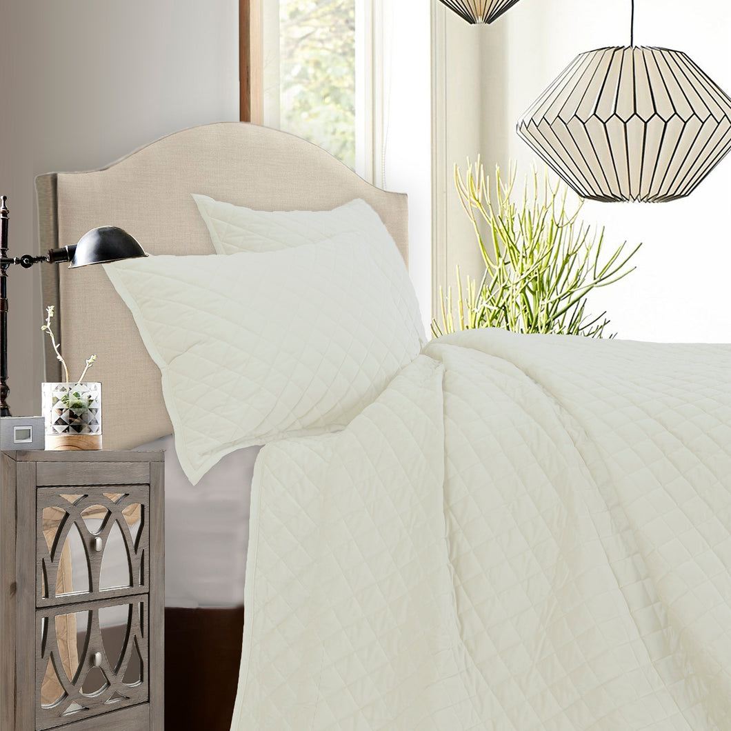 3 pc Velvet Quilt Set, Super King Cream