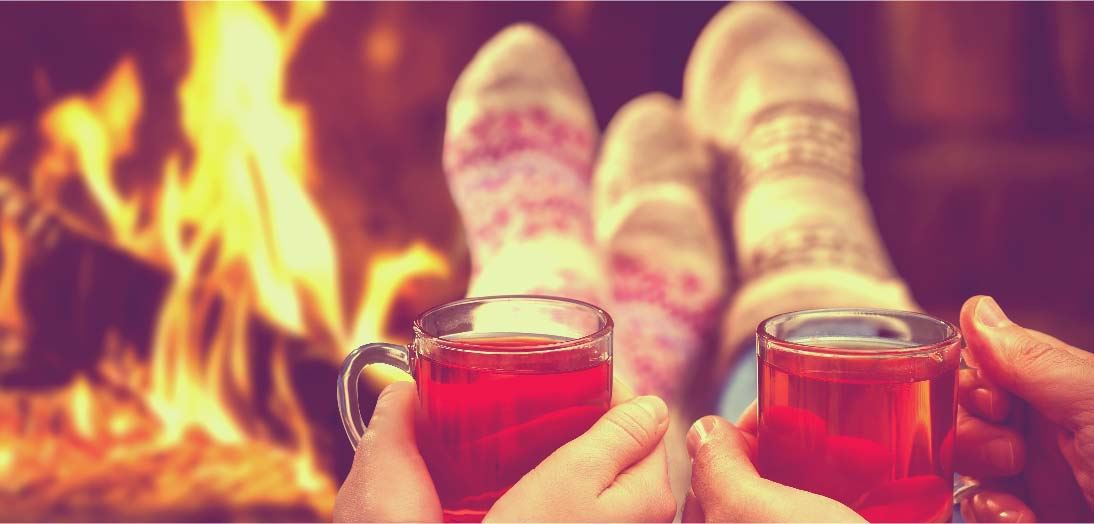 7 Romantic Christmas Date Ideas