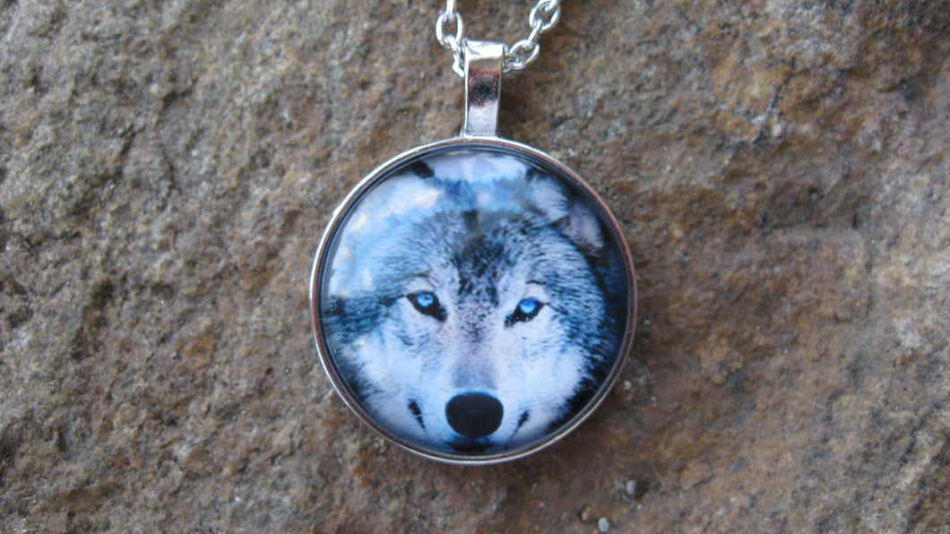 Glass dome necklace, wolf face