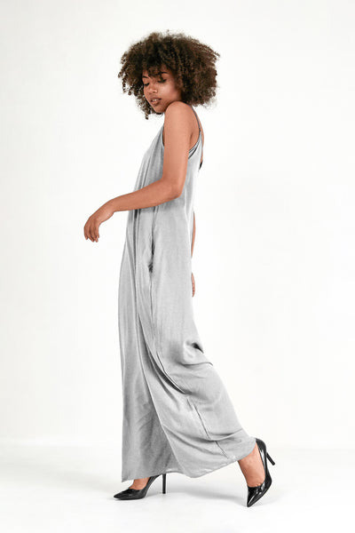 Minimal Maxi-Dress with Pockets