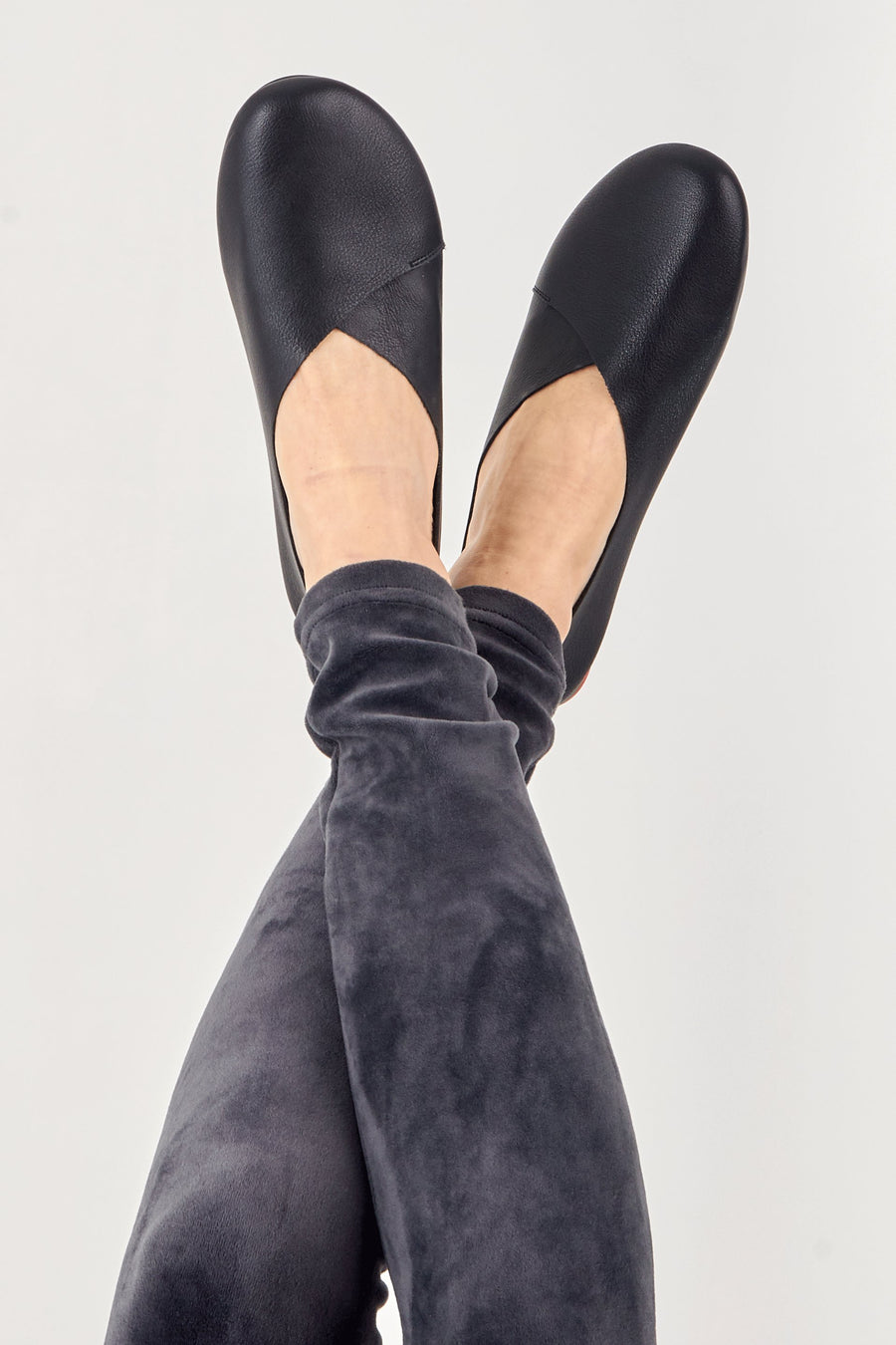 Minimalist Flat Leather Pumps