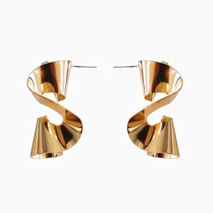 Metal Wave Earrings-The fashionabler