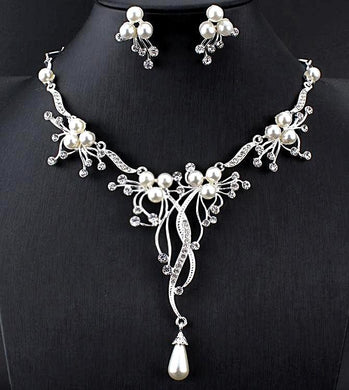Pearl and Rhinestone Jewelry Set-The fashionabler