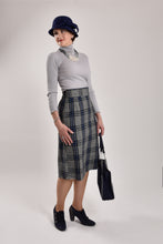 High-waisted Plaid Wool Skirt - Wide Size Range-The fashionabler