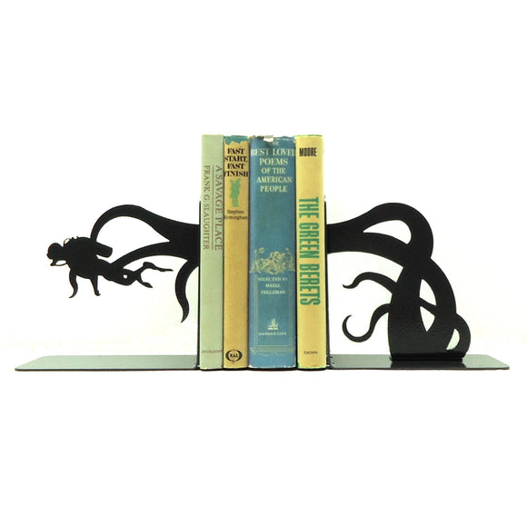 Scuba Diver Tentacle Attack Bookends - Knob Creek Metal Arts