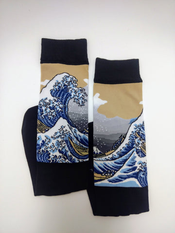 Art Socks the Wave