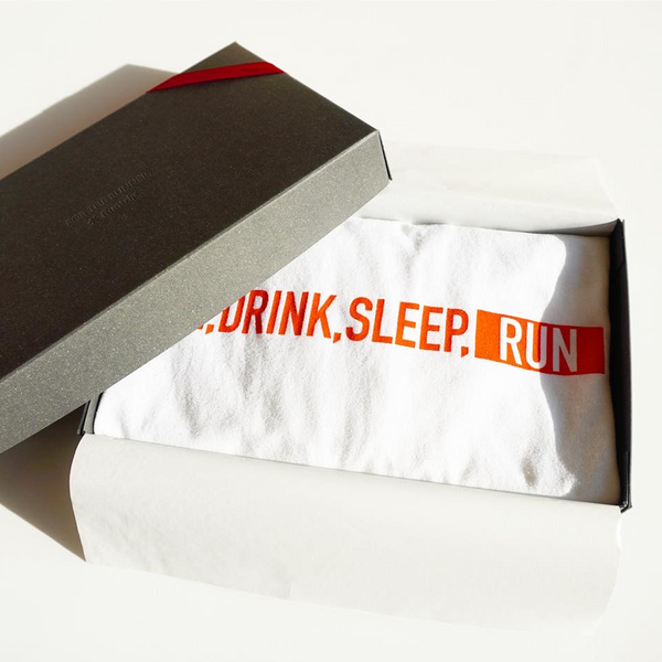【GIFT BOX】EAT DRINK SLEEP RUN / STREET Tee (White)