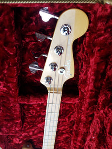USED Fender Deluxe Jazz Bass