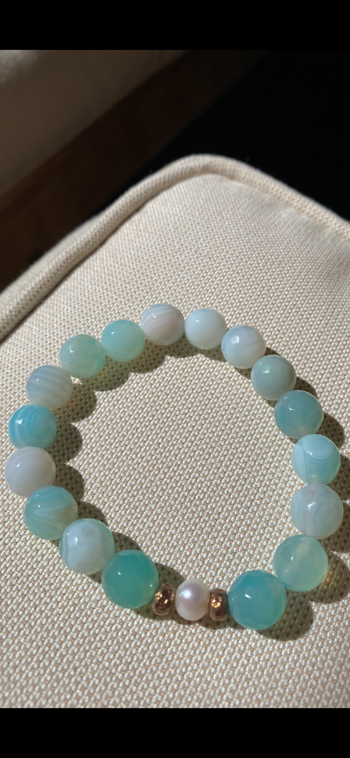 Aqua faceted agate with pearls