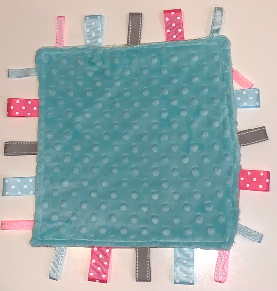 Baby Blue Doves Taggie Blanket