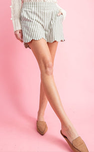 Scallop Pull-On Shorts