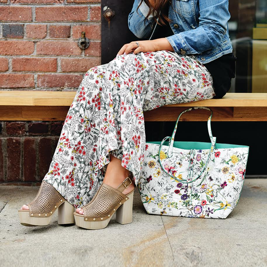 White Ditsy Floral Carryall Tote