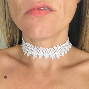 White Lace Day Collar