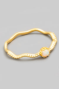 Dainty Wavy Pearl Ring - Gold