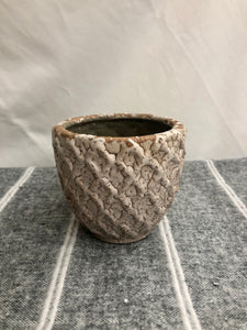 Diamond Pattern Pot