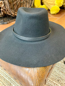 Floppy Black Hat