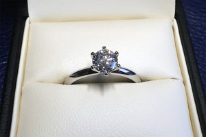 Platinum Diamond Solitare Ring.
