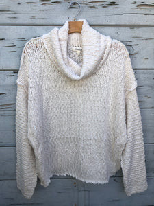 Oversize Chunky Turtle Sweater Cream