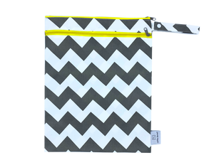 little-secret-garment - Wet & Dry Bag Gray Chevron