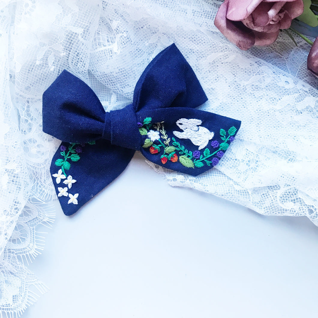 Embroidery Art Hair Bow - Wonderland