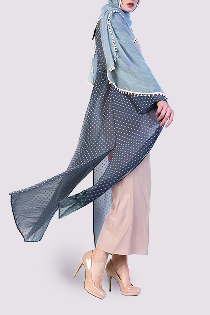 Almaarie  - Moutaki grey kimono with pink dots - side view