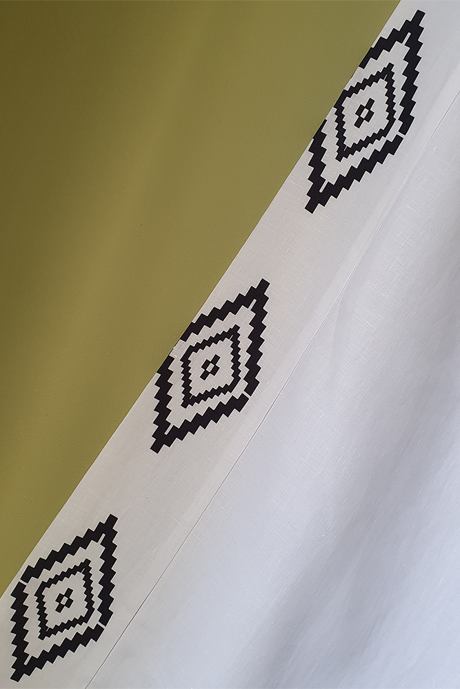 Moutaki White Linen Culottoes with Black Geometric Border
