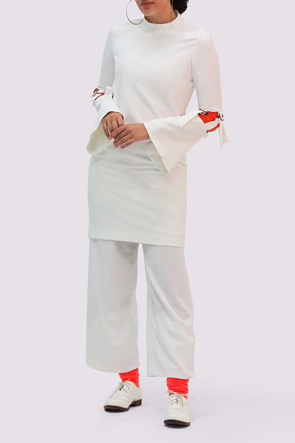 Thais and Stroe White Dress with high neck