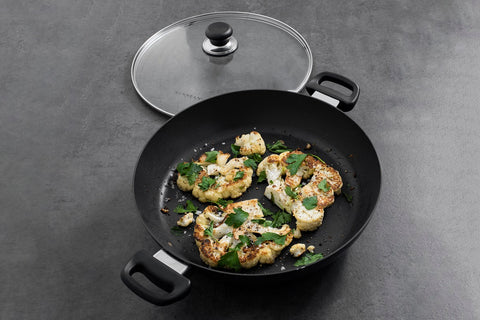 Scanpan Classic Induction pan, stratanium non-stick coating, cooking vegetables, cauliflower steaks