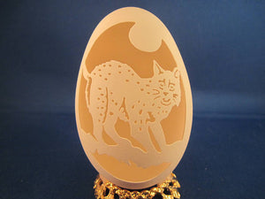 Bob Cat carved on a Goose Egg with clear plastic stand. Great For A Wild Animal Lovers Gift.