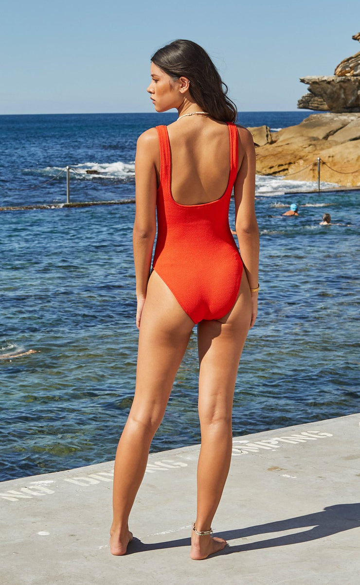 FINN ONE PIECE - APPLE RED