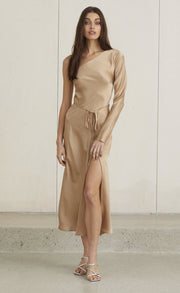 CLASSIC ONE SHOULDER DRESS - CAMEL