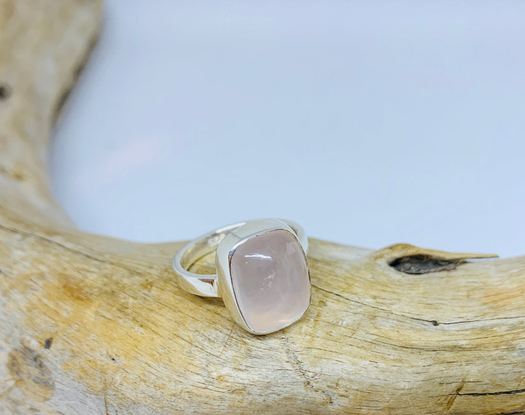 Love Rose Quartz Ring      Size 8