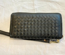 The Jindy cow hide Woven wallet