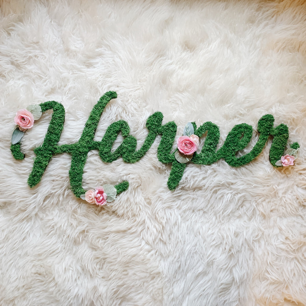 Custom Moss Floral Name - Wispy Font
