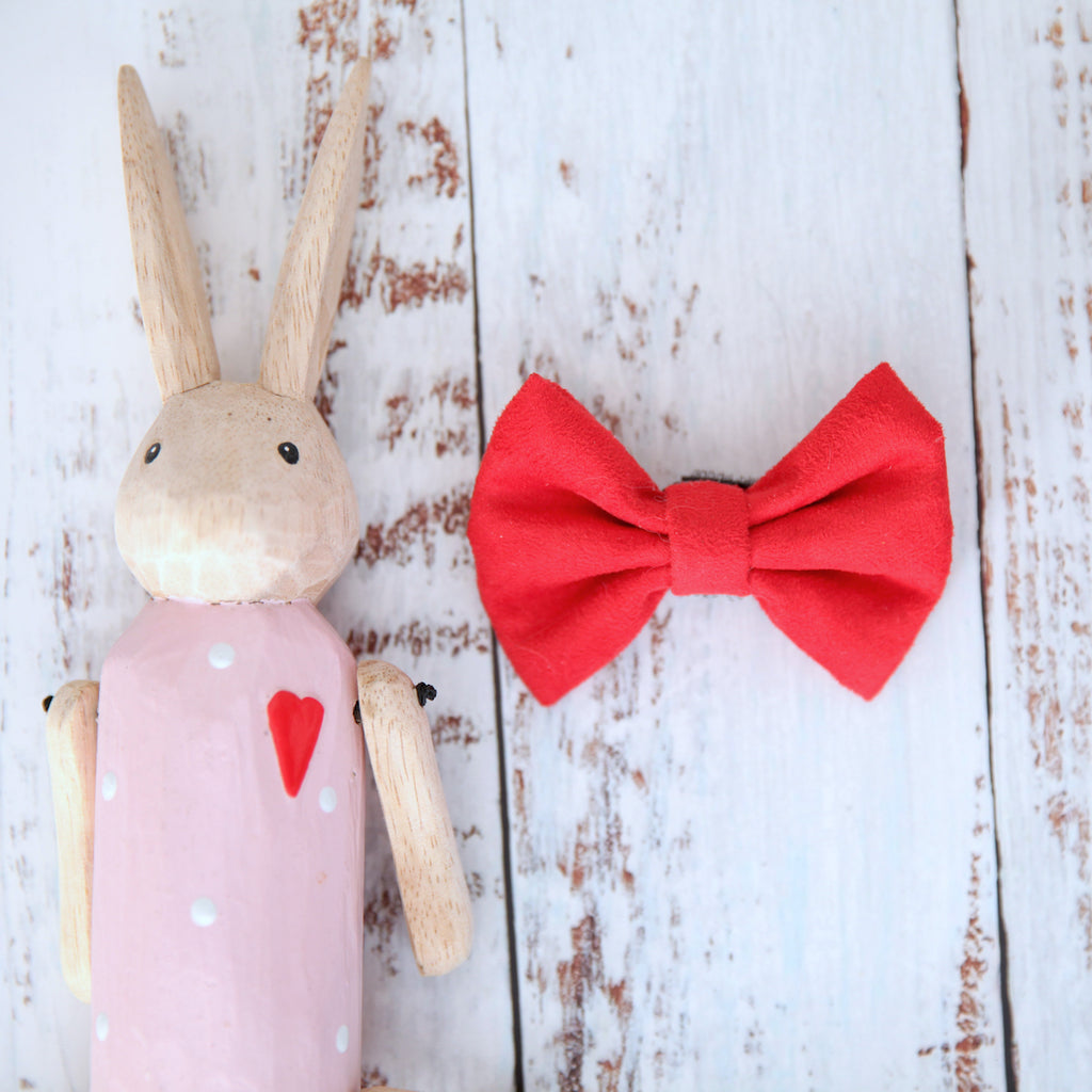 Holly Dog Bow Tie - Pipps by Pippa