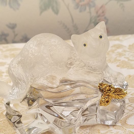 Igor Carl Faberge Crystal Snow Leopard, with gold garland