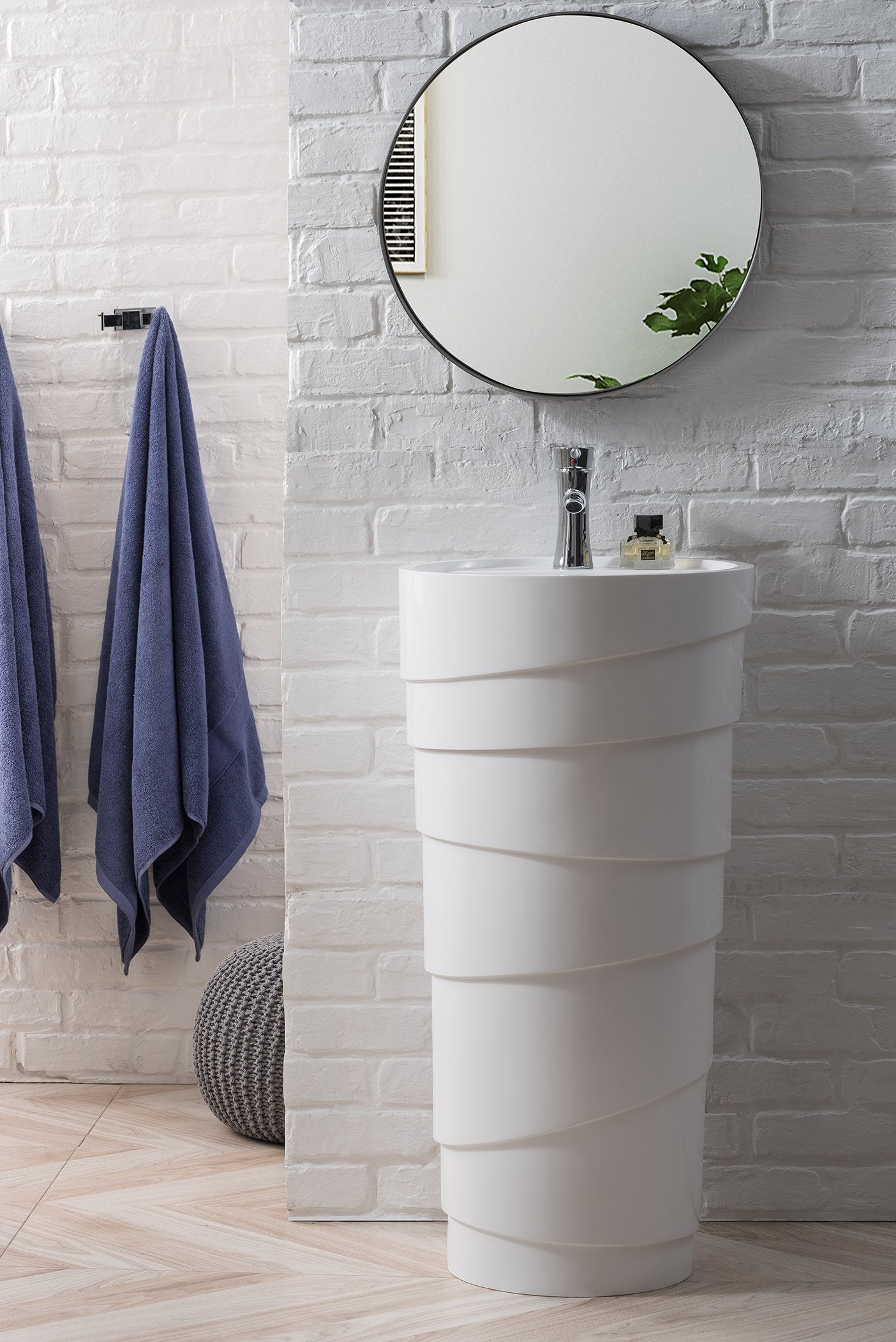 Quebec 17 5 Solid Surface Pedestal Sink Bright White