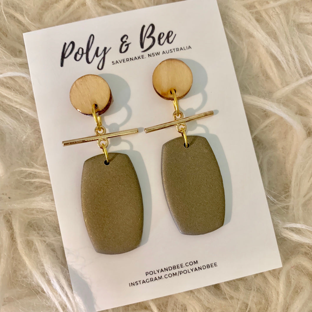 Brass Bar Drop Earrings - Poly & Bee