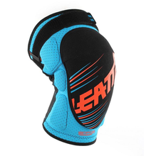 Leatt-DBX-5.0-Knee-Guard-blue-orange-3.png