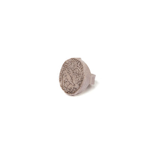 Men's big signet ring with scratched designs