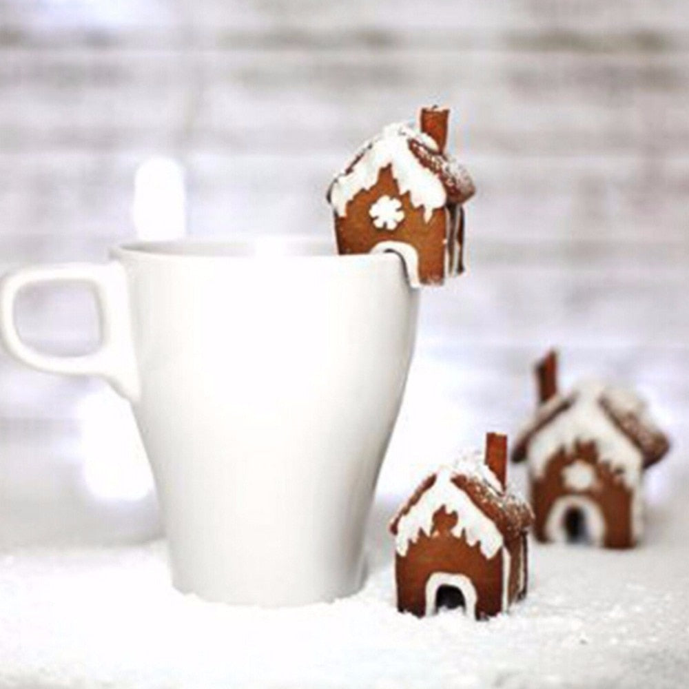 Mini gingerbread house on cup rim cookie cutter set