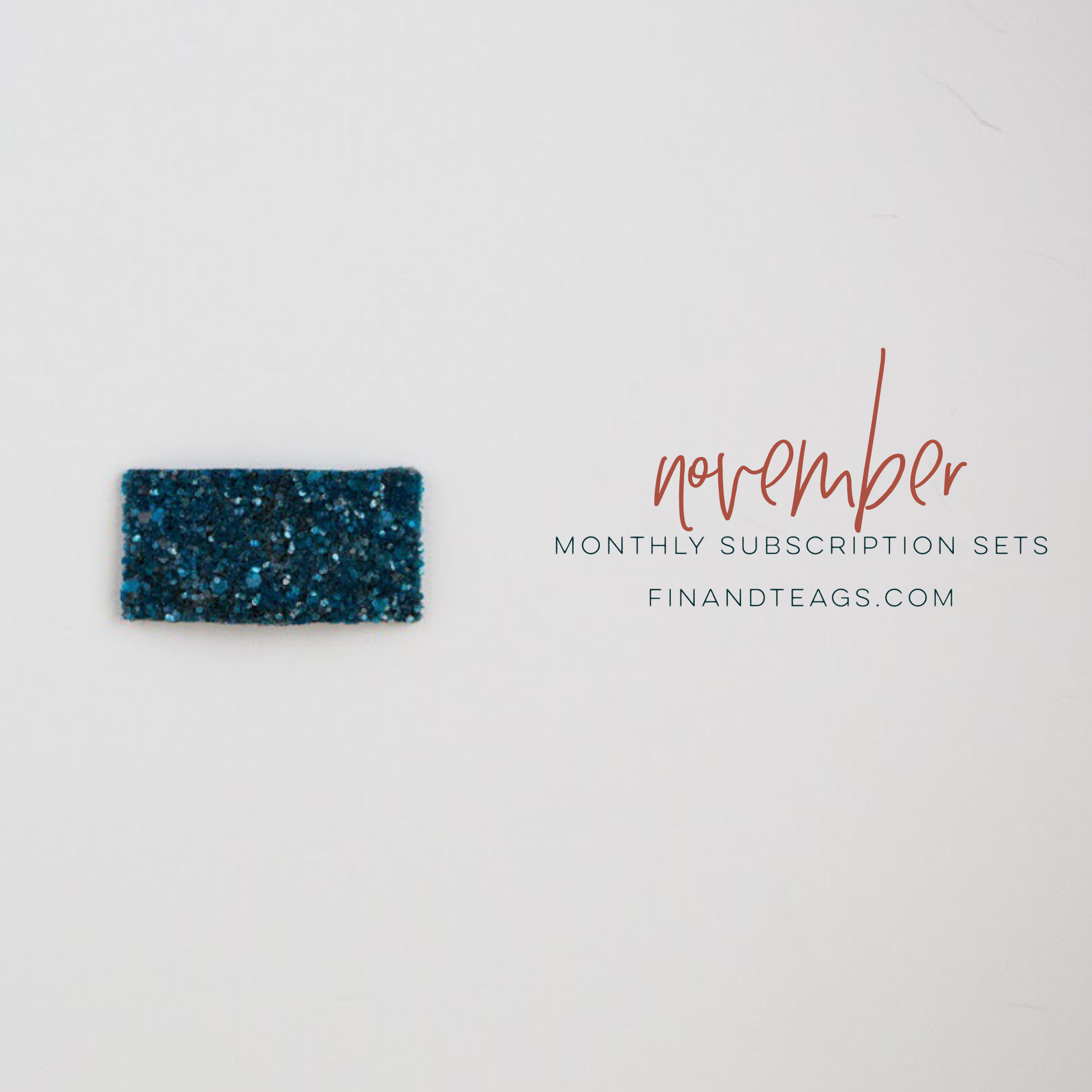 November | Teal Glass Glitter Snap Clip