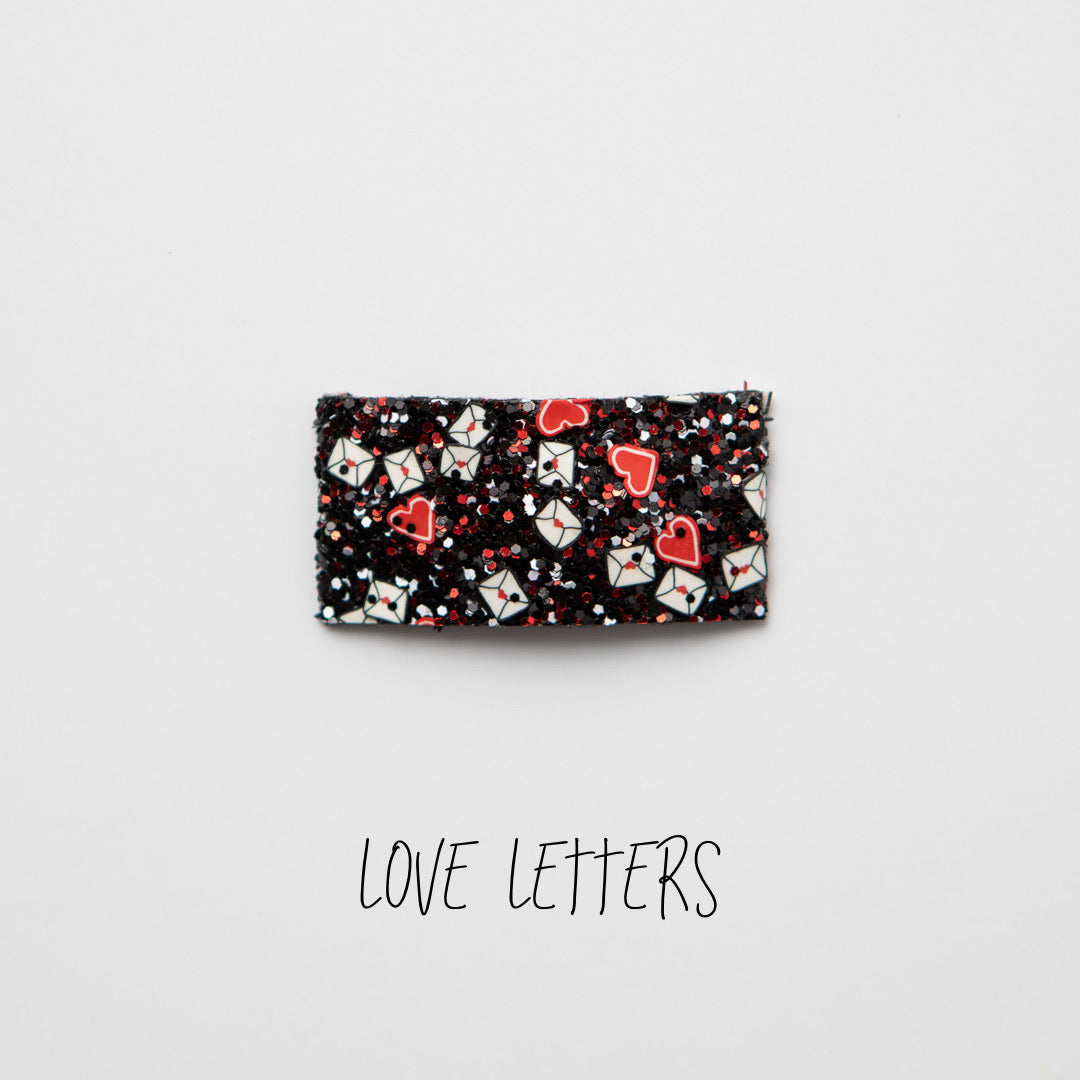 Love Letters Glitter Snap Clip