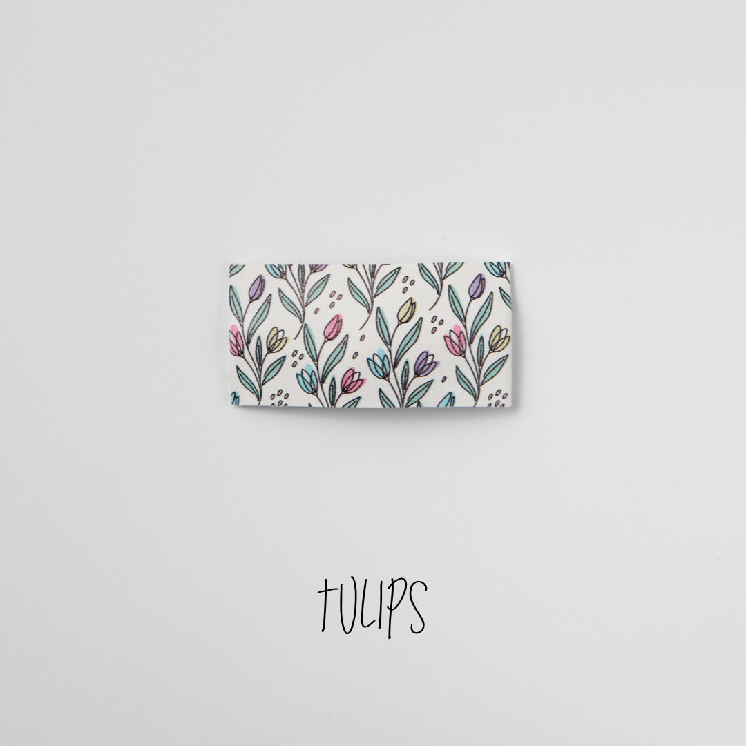 Tulips Faux Leather Printed Snap Clip
