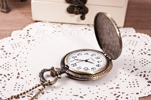 Reproduction Antique Case Vintage Brass Rib Chain Quartz Pocket Watch with Train