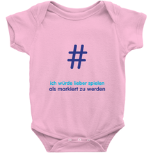 Tagged Onesie (German)