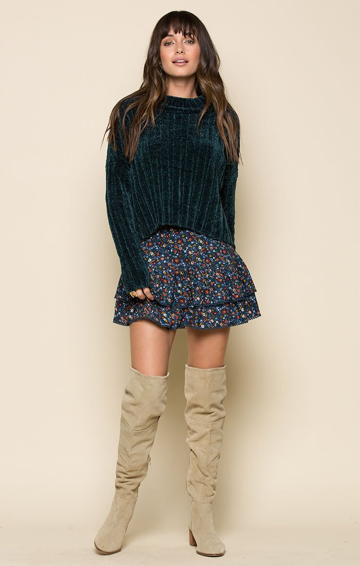 GRETCHEN PULLOVER SWEATER Women - Apparel - Sweaters Cardigans and Tops Tigerlily and Me