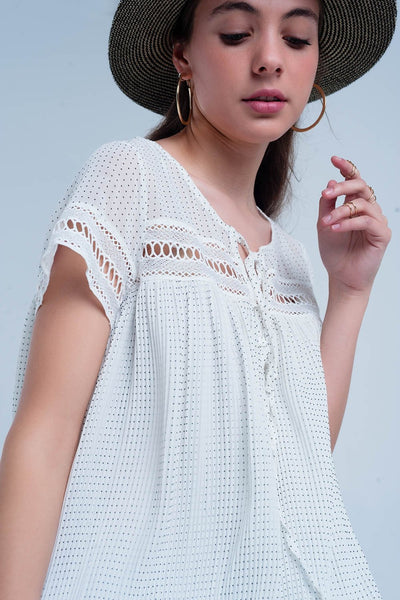 Short pleated dress in white Women - Apparel - Dresses - Casual Tigerlily and Me