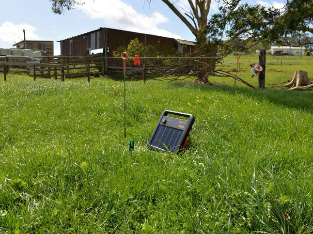 Gallagher S100 Portable Solar Electric Fence Charger
