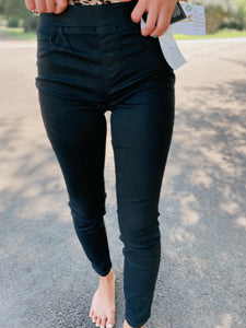 Lucy Pull On Black Ankle Jegging